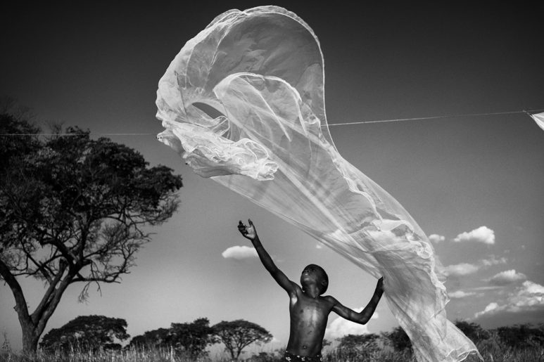mthunzi, la terra dei bambini giganti.